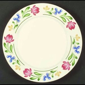 """Floral 12"""" Chop Plate (Round Platter) Gently used"""